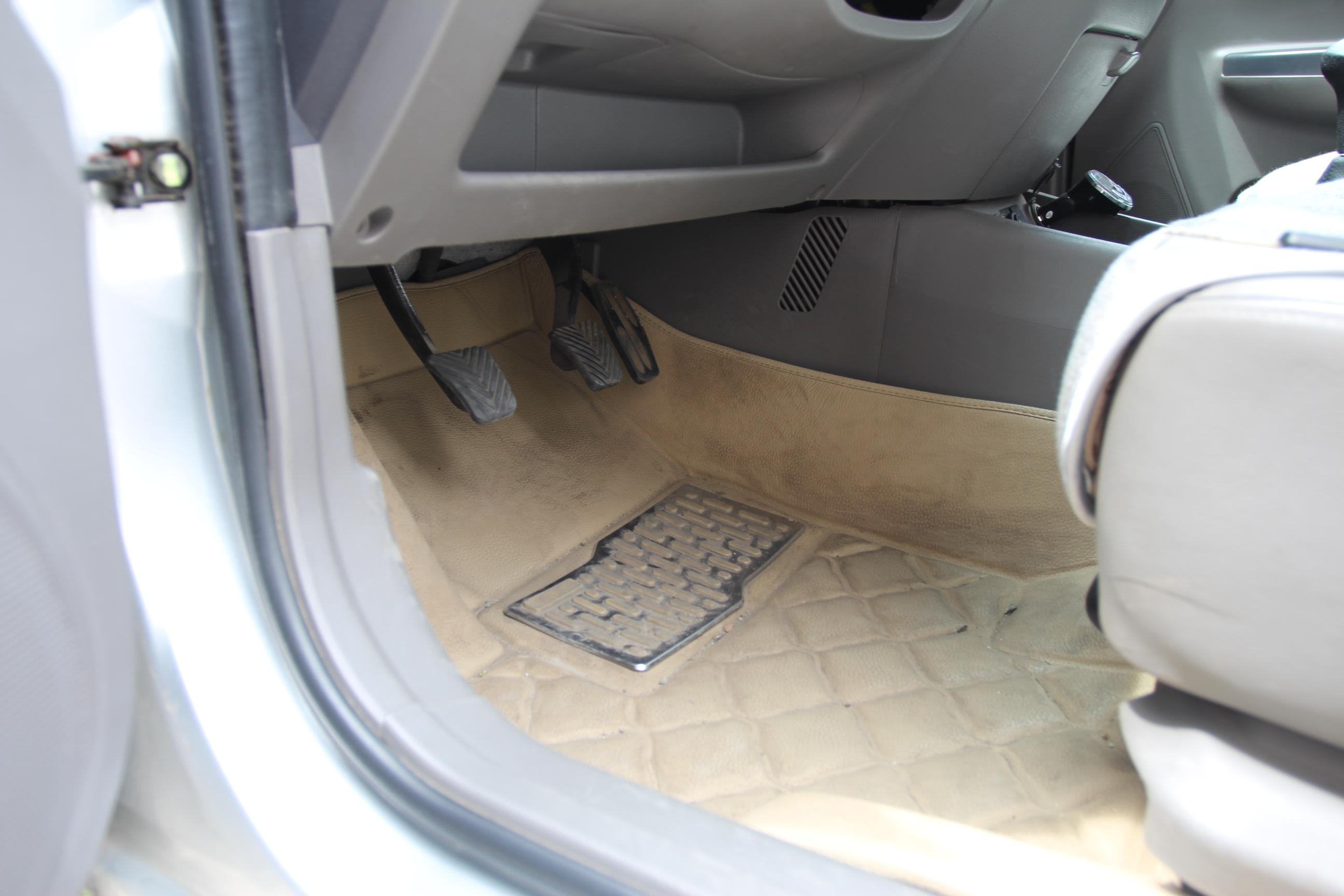 长安汽车-悦翔2009款 三厢 1.5l 手动尊贵型